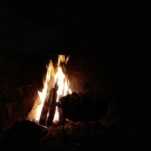 Auch für Eintöpfe wird das Feuer entfacht